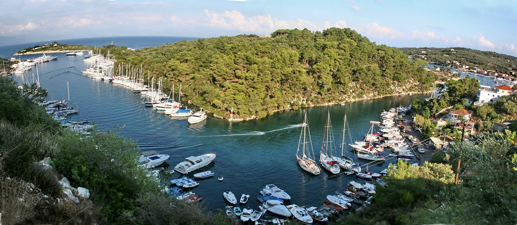 Sailing holidays in Paxoi