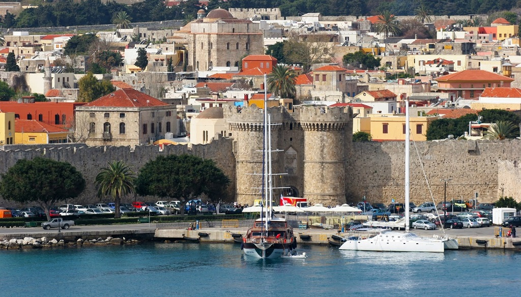 Sailing holidays in Rhodes