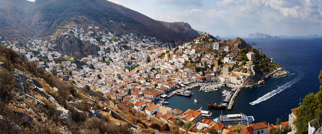 Sailing holidays in Saronic Islands
