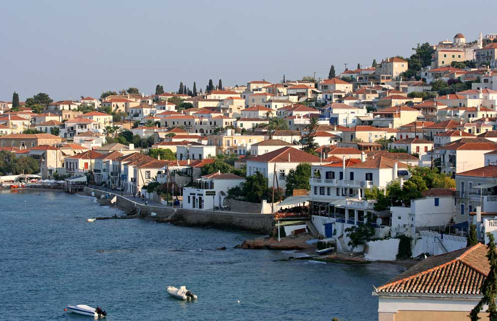 Sailing holidays in Spetses