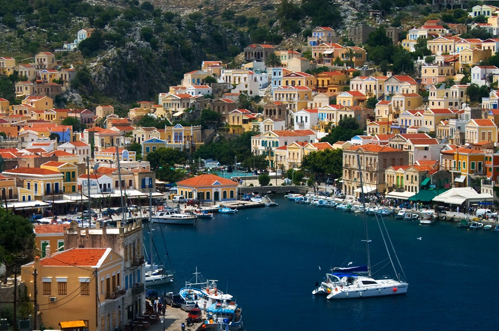 Sailing holidays in Symi